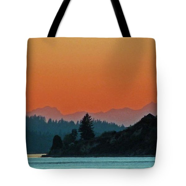 Ode To Elton Bennett Tote Bag by Chris Anderson