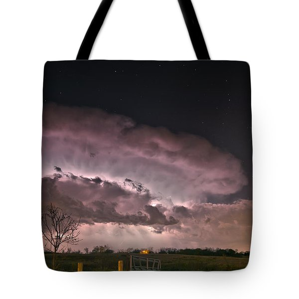 Oklahoma Sky Of Fire Tote Bag by James Menzies