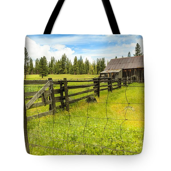 Old Barn In California Tote Bag