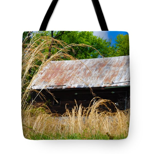 Old Barn In Roxborough Tote Bag by Bill Cannon