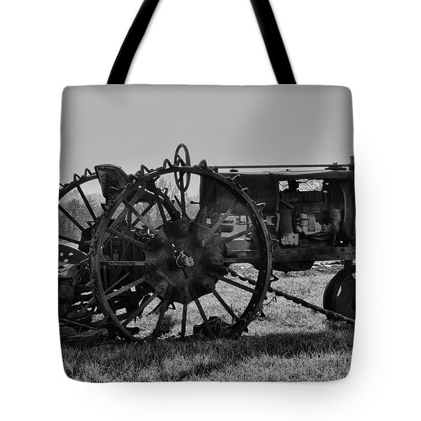 Old Betsy Tote Bag by Bill Cannon