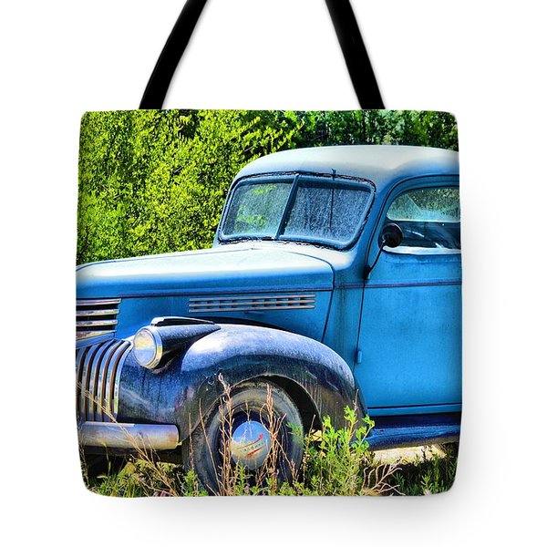 Old Blue At Pasture Tote Bag