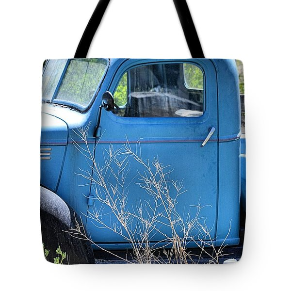 Old Blue In The Weeds Tote Bag