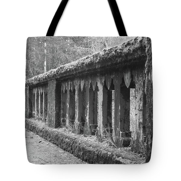 Old Bridge In Black And White Tote Bag