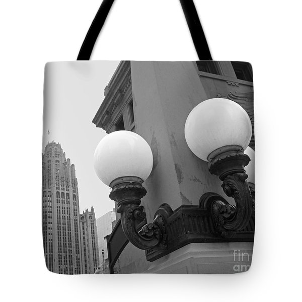 Old Chciago Street Lamps Bw Tote Bag