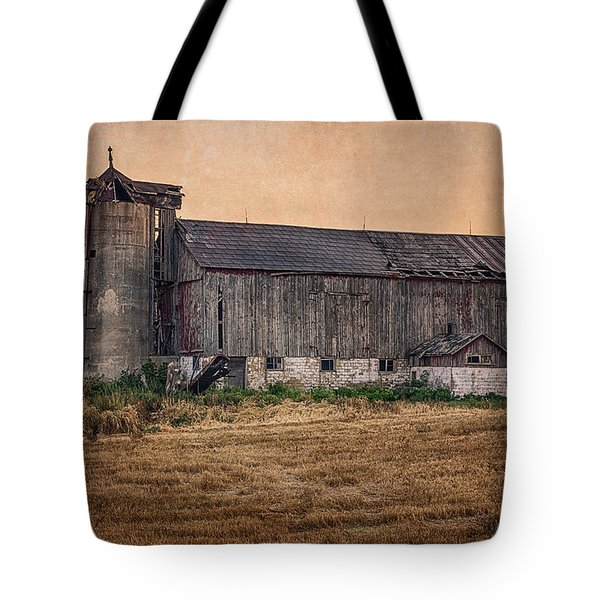Old Country Barn Tote Bag