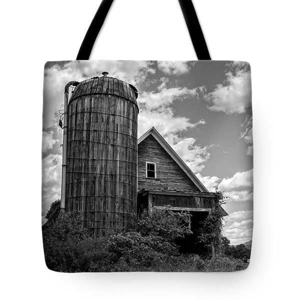 Old Ely Vermont Barn Tote Bag