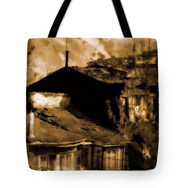 Tote Bag featuring the photograph Old Istanbul by Dariusz Gudowicz