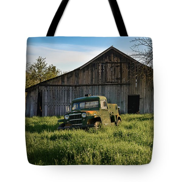 Old Jeep, Old Barn Tote Bag