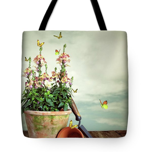 Old Plant Pot Tote Bag