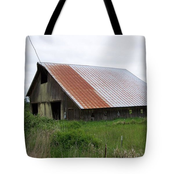 Old Tin Roof Barn Washington State Tote Bag by Laurie Kidd