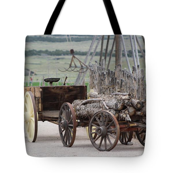 Old Tractor And Wagon In Foreground Cove Creek Fort Photography By Colleen Tote Bag