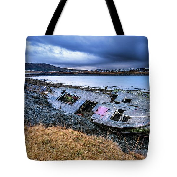 Old Wooden Ship On Beach Tote Bag