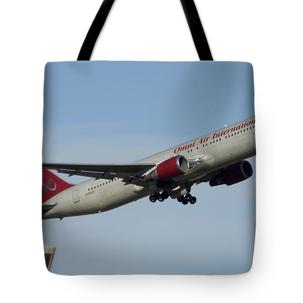 Omni Air International Boeing 767-319 N396ax Phoenix Sky Harbor January 2 2015 Tote Bag