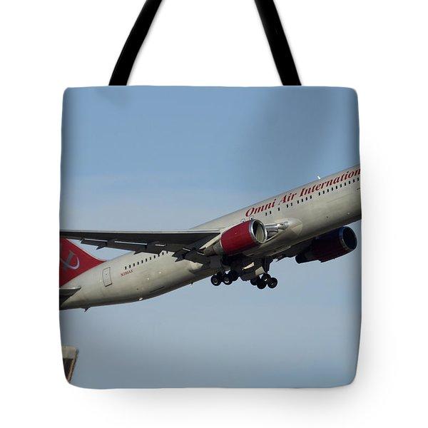 Omni Air International Boeing 767-319 N396ax Phoenix Sky Harbor January 2 2015 Tote Bag