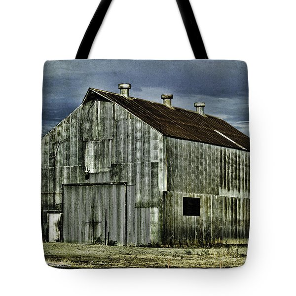 Tote Bag featuring the photograph On The Way To Napa 2 by Judy Wolinsky