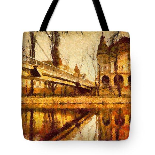 Oradea Chris River Tote Bag