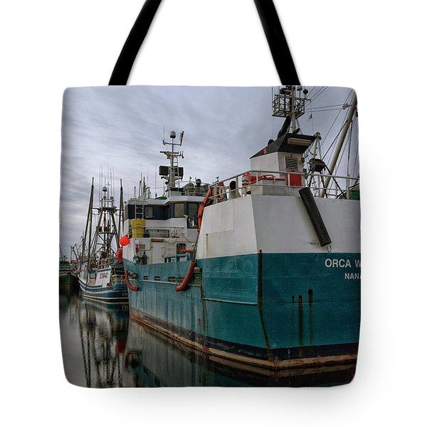 Tote Bag featuring the photograph Orca Warrior by Randy Hall