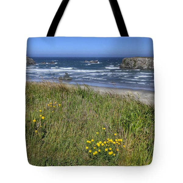 Tote Bag featuring the photograph Oregon Beauty by Wanda Krack