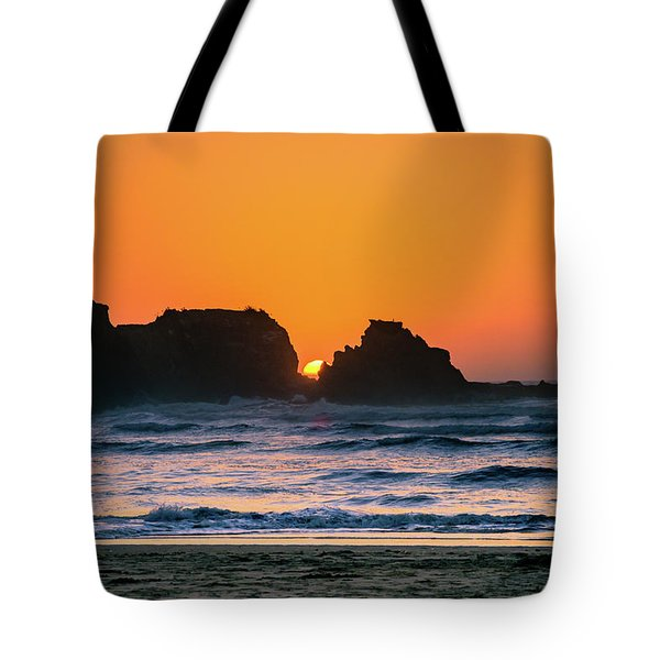 Tote Bag featuring the photograph Oregon Sunset by Bryan Carter