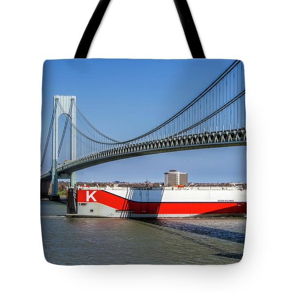 Tote Bag featuring the photograph Orin Highway Vnb by Steve Sahm