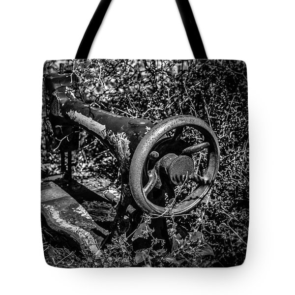 Outside The Quilt Shop Tote Bag