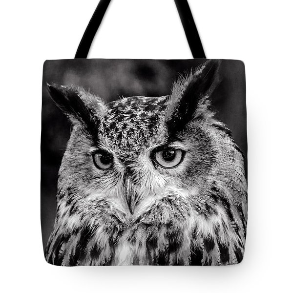 Tote Bag featuring the photograph Owls Eyes  by Cliff Norton