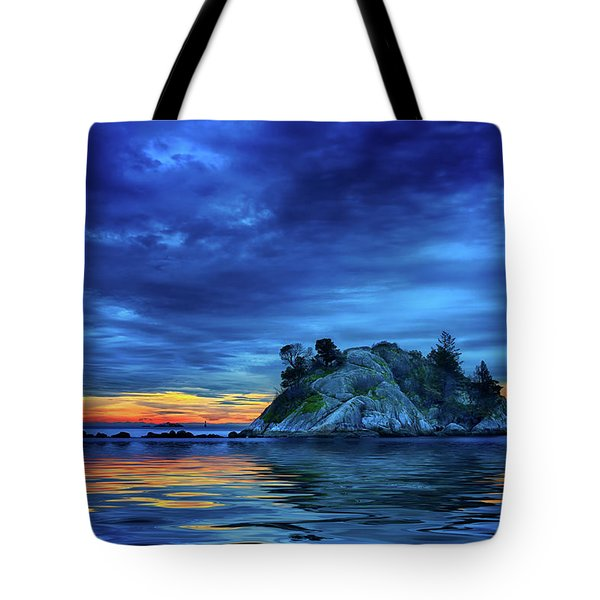 Tote Bag featuring the photograph Pacific Sunset by John Poon