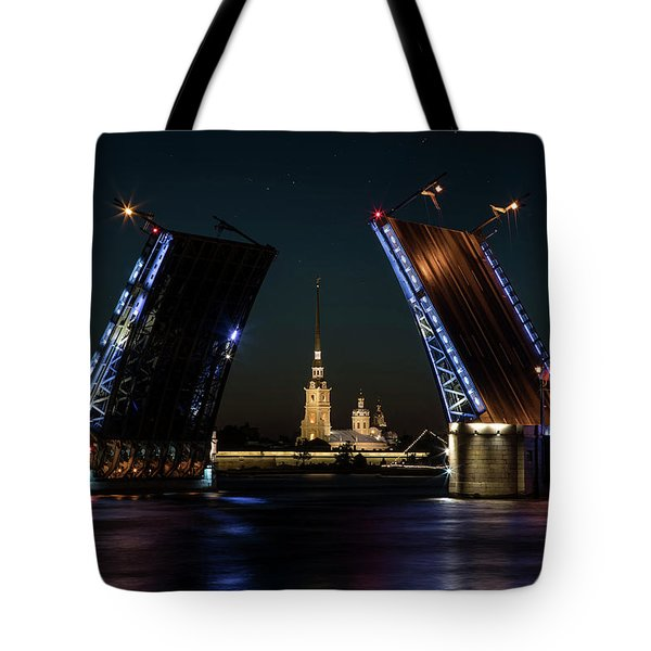 Tote Bag featuring the photograph Palace Bridge At Night by Jaroslaw Blaminsky