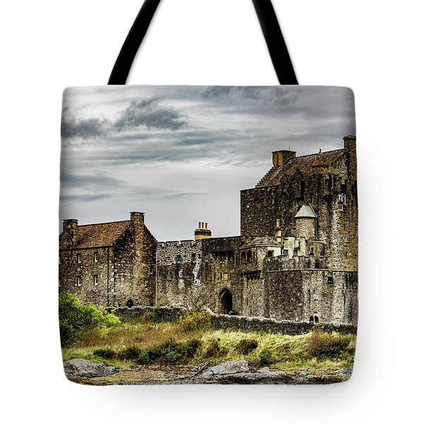 Tote Bag featuring the photograph Palace Of Poetry by Anthony Baatz