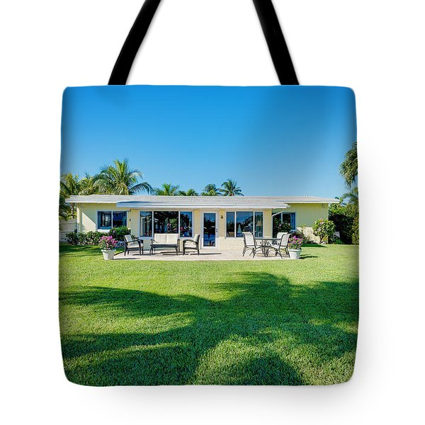 Palm Back Yard Tote Bag