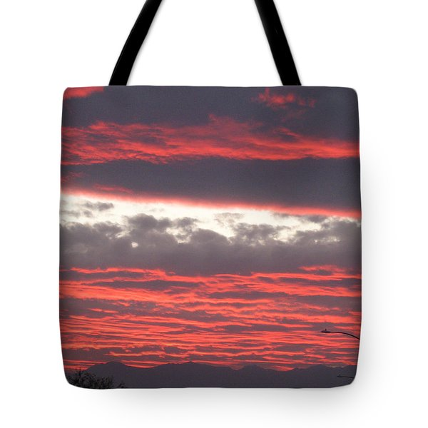 Tote Bag featuring the photograph Palm Desert Sunset by Phyllis Kaltenbach