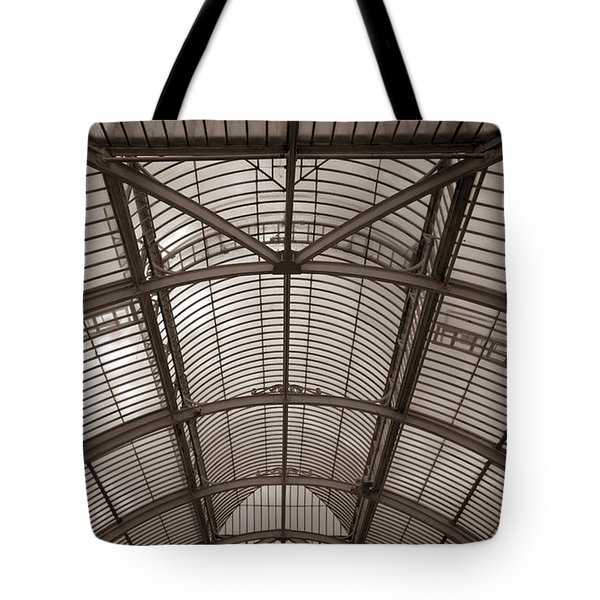 Tote Bag featuring the photograph Palm House At Kew by Tom Vaughan