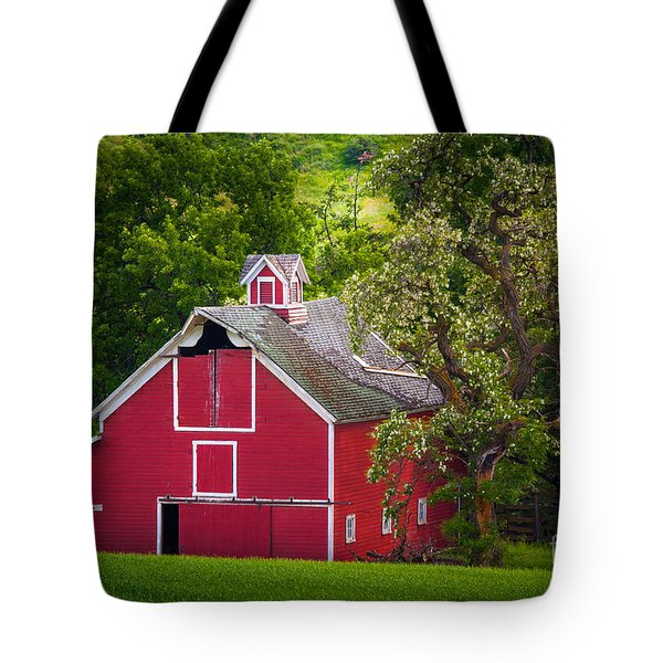Palouse Barn Number 9 Tote Bag by Inge Johnsson