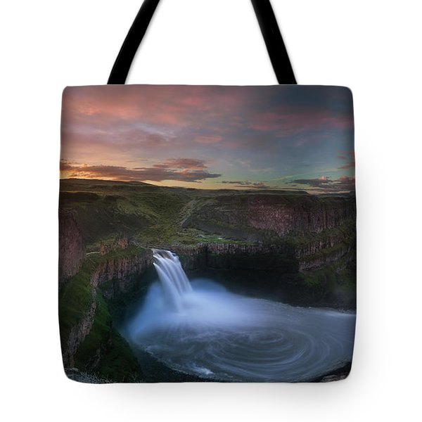 Tote Bag featuring the photograph Palouse Falls Sunrise by William Lee