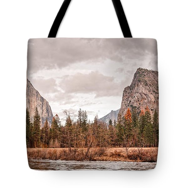 Panoramic View Of Yosemite Valley From Bridal Veils Falls Viewing Point - Sierra Nevada California Tote Bag