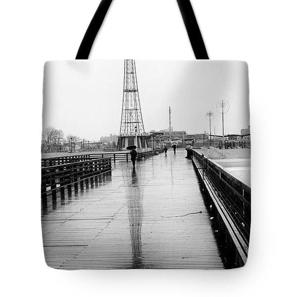 Parachute Jump In Rain Tote Bag