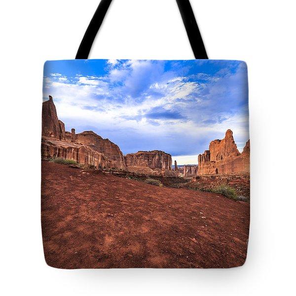 Park Avenue Arches National Park Tote Bag