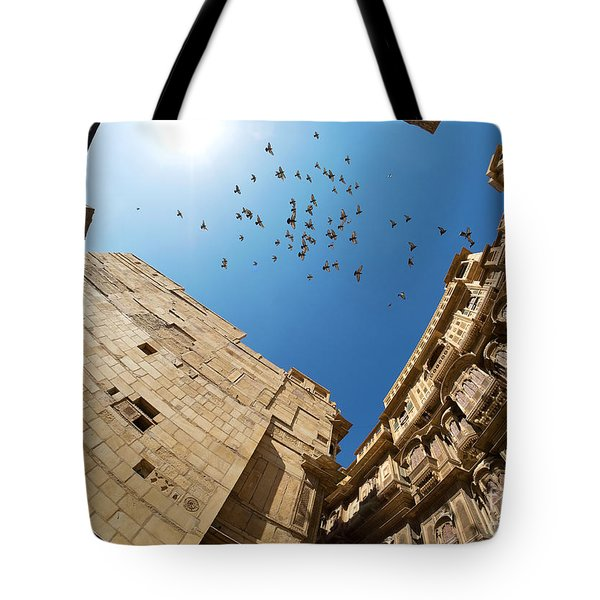 Tote Bag featuring the photograph Patwon Ki Haveli by Yew Kwang