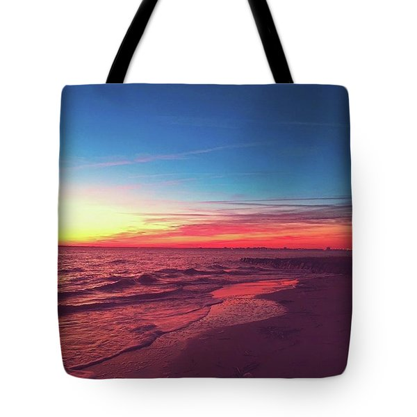 Peaceful Sunset On Sullivan's This Tote Bag