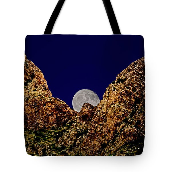 Tote Bag featuring the photograph Peak Full Moon H03 by Mark Myhaver