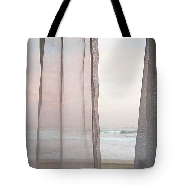 Peek-a-boo Wave. Tote Bag