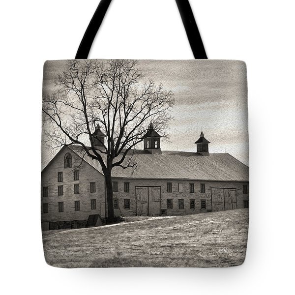 Tote Bag featuring the digital art Pennsylvania Barn by Robert Geary