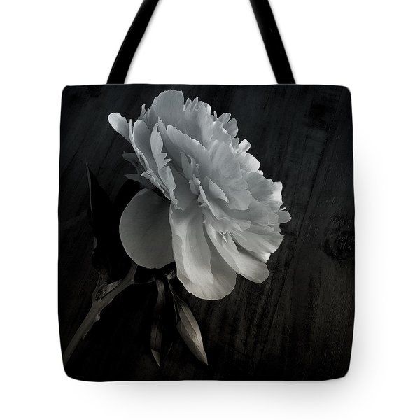 Tote Bag featuring the photograph Peonie by Sharon Jones