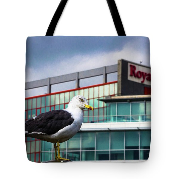 Perched Gull Tote Bag