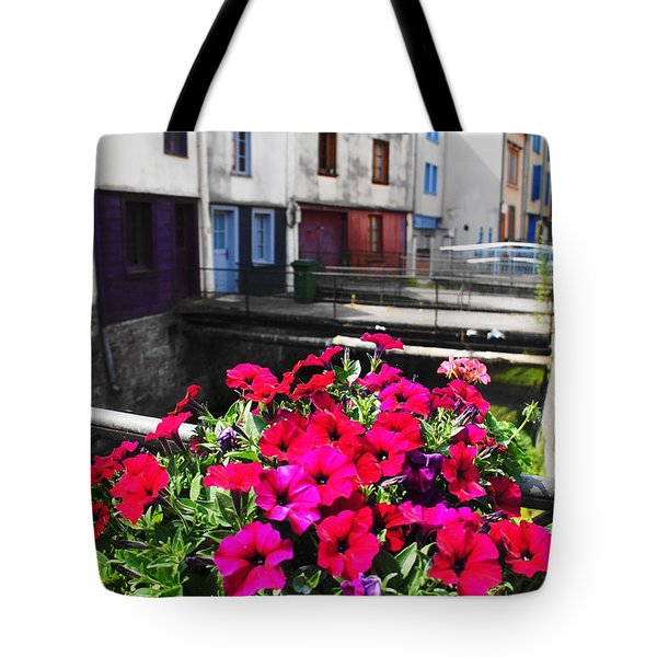Petunias Of Amiens Tote Bag by Therese Alcorn