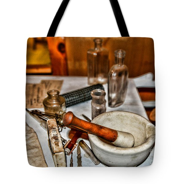 Pharmacist - Mortar And Pestle Tote Bag by Paul Ward