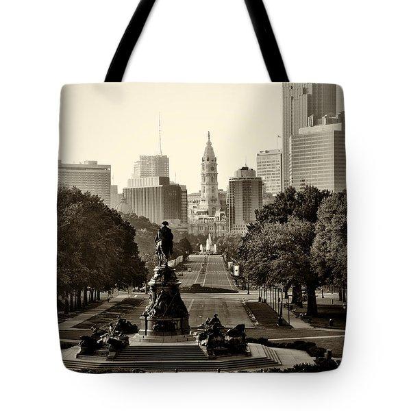 Philadelphia Benjamin Franklin Parkway In Sepia Tote Bag