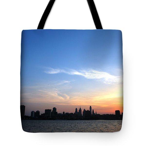 Philadelphia Skyline Low Horizon Sunset Tote Bag