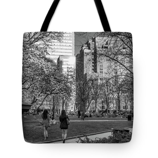 Philadelphia Street Photography - 0902 Tote Bag